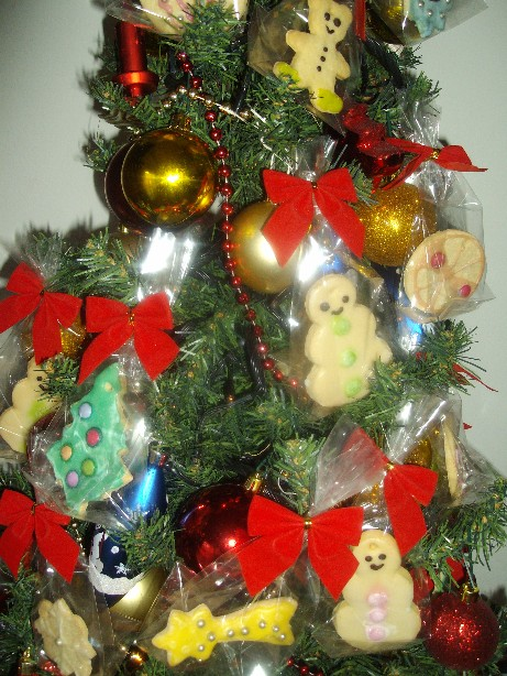 Albero Di Natale Addobbato Con Biscotti.Biscotti Da Appendere All Albero Di Natale Lascatoladeisegreti It
